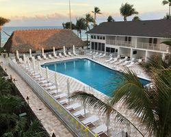 Fort Lauderdale-Lodging excursion-Beachcomber Resort Villas-Pool Deck Room