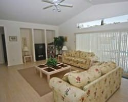 Naples Fort Myers-Lodging holiday-Fort Myers Homes and Villas-3 Bedroom Executive Pool Home 4 Star