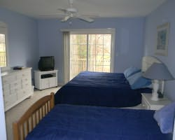 Ocean City DE Shore-Lodging tour-River Run Townhouse 6-Townhouse w 4 Golfers