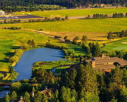Central Oregon- LODGING trek-Sunriver Resort-Lodge Village Guestroom - Double Double