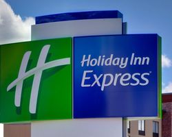 Williamsburg- LODGING tour-Holiday Inn Express Busch Gardens