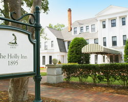 Pinehurst- LODGING tour-The Holly Inn
