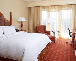 Robert Trent Jones Trail-Lodging outing-Marriott Shoals Hotel Spa-Standard Room
