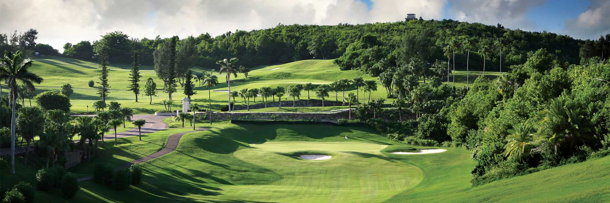 Bermuda Islands: Colors of Bermuda UNLIMITED GOLF Stay & Play with Coco Reef Beach Resort for $197 per day!